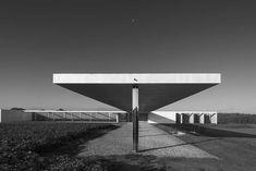 MIES 1:1 Golf Club | Krefeld, Germany | Mies van der Rohe/Robbrecht en Daem Architecten | photo by Koen van Damme