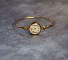 Vintage USSR Ladies Bracelet Watch Chaika 17 jewels 1970 via RetroWatch - Vintage USSR Ladies Bracelet Watch Chaika 17 jewels 1970 via RetroWatch Source by rebeccabuhler - Cute Jewelry, Vintage Jewelry, Jewelry Accessories, Women Jewelry, Fashion Jewelry, Jewelry Bracelets, Jewelry Trends, Antique Bracelets, Gold Jewelry
