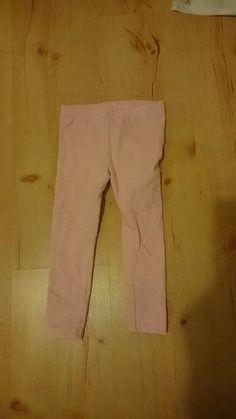 Rosa Leggins Khaki Pants, Fashion, Pink, Spinning Top, Kids, Moda, Khakis, Fashion Styles, Fashion Illustrations
