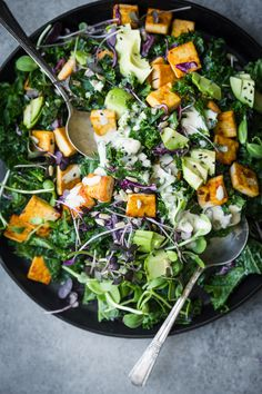 Kale, Sprout & Tofu Salad + Everyday Tahini Dressing by The Green Life Recipes to try Kale Recipes, Healthy Salad Recipes, Vegetarian Recipes, Dinner Recipes, Dinner Salads Healthy, Grilled Tofu Recipes, Tofu Salad, Kale Salad, Clean Eating