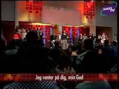 Lige Nu, Lige Her - LIVE LOVSANG - YouTube