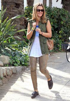 Marta Ortega, Weekend Outfit, Star Fashion, Supermodels, Zara, Street Style, Shirt Dress, Sweaters, Outfits