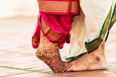 Wedding pictures for the groom thank you cards 47 Ideas for 2019 Indian Wedding Couple Photography, Indian Wedding Photos, Wedding Couple Photos, Couple Photography Poses, Indian Bridal, Photography Gear, Pre Wedding Poses, Pre Wedding Photoshoot, Wedding Shoot