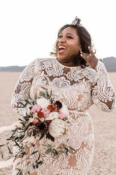 Emotional and amazing elopement with Flora Pop! Plus Wedding Dresses, Plus Size Wedding, Wedding Photography Poses, Wedding Portraits, Wedding Dance Songs, Wedding Inspiration, Wedding Ideas, Wedding Favors, Wedding Decorations