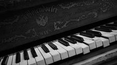 free desktop pictures piano  (Narelle Sinclair 1920x1080)
