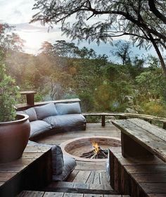 70 Outdoor Fireplace Designs For Men - Cool Fire Pit Ideas Deck Fire Pit, Cool Fire Pits, Fire Pit Backyard, Outdoor Spaces, Outdoor Living, Outdoor Kitchens, Fire Pit Essentials, Outdoor Fireplace Designs, Outdoor Fireplaces