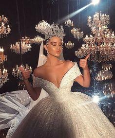 me as a bride lol Dream Wedding Dresses, Bridal Dresses, Dresses Dresses, Vintage Dresses, Casual Dresses, Wedding Goals, Princess Wedding, Queen Wedding Dress, Dream Dress