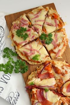 My Little Kitchen: Pizza med blomkålbunn Little Kitchen, Hawaiian Pizza, Vegetable Pizza, Quiche, Nom Nom, Cooking Recipes, Favorite Recipes, Breakfast, Dinners