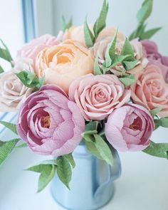Весеннего настроения вам, друзья! ☺️ ——————————— Happy spring mood! ☺️ #весна #цветы #весеннийбукет #цветыизбумаги #гофрированнаябумага #бумажныецветы #экобукет #декордлядома #подарокдевушке #цветысвоимируками #paperart #paperbouquet #бумажныйбукет #paperflowers #crepepaperflowers #cartotecnicarossi