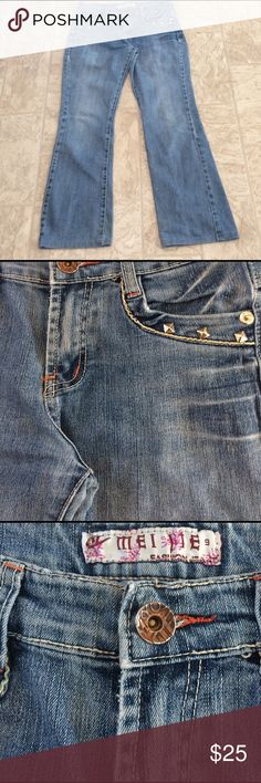 Mei jei jeans 👖 size 29 This is a pair of mei jei jeans , With standing on the pockets embroidery on the back pockets dimensions are waist 31 1/2, hips 36 inseam 27 length 35 mei jie Jeans Boot Cut