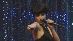 ¡Morocha y con un vestido cortísimo! Esperanza brilló cantando cumbia http://www.eltrecetv.com.ar/esperanza-mia/morocha-con-el-pelo-corto-y-un-vestido-cortisimo-esperanza-brillo-cantando-y_077621… @eltreceoficial