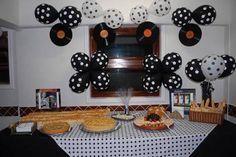 Resultado de imagem para decoração festa anos 60