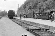[Nesttun-Osbanen. Nesttun stasjon 1935. NSB lokomotiv t.v.] fra marcus.uib.no