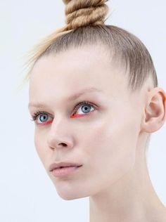 red eyeliner #makeup #blueeyes #beauty #blondehair
