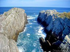 lady in black: What to see in Asturias #oviedo #spain #asturias #spanielsko #visitspain #visitasturias #traveltips #traveleurope #travel #travelblogging #visiteurope #placestogo #oldtown #placestogo #placestosee #coast #atlantic #cliffs #espana