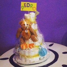 Mi primera tarta de #pañales para mi adorable Pedro XY #DIY #baby #napkin…