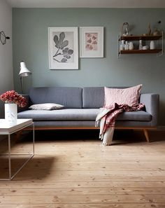 Interview and homestory with Daniela aka Wunderblumen : The white tray table by HAY goes perfectly with Daniela& sofa in a Scandinavian design. // Interview and home story with Daniela aka Wunderblumen by Design Bestseller Home Living Room, Interior Design Living Room, Living Room Designs, Living Room Decor, Design Interiors, High Quality Furniture, New Furniture, Furniture Shopping, Online Furniture