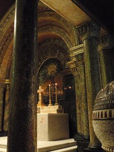 the louis comfort tiffany chapel installed in the morse museum