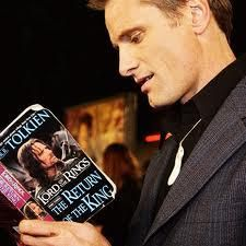 Viggo Mortensen reading Lord of the Rings.