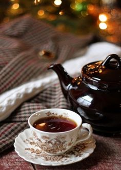 comtesse-du-chocolat: Christmas tea … via thecharmofhome.blogspot.gr