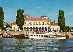 Acum o suta de ani, cand drumul de apa al Dunarii era cea mai sigura si rapida cale, de la Harsova pana la Turnu Severin si chiar mai departe, la Moldova Noua, Braila avea nevoie de o gara fluviala... Drum, Tourism, Mansions, House Styles, City, Google, Places To Visit, Romania, Turismo