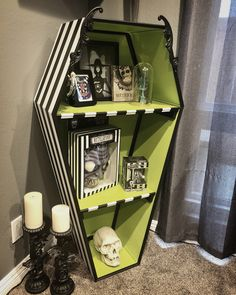 10 Awesome Halloween Decorations to try - Life Is Fun Silo Halloween Bedroom, Halloween Home Decor, Halloween Decorations, Halloween Coffin, Creepy Halloween, Goth Home Decor, Diy Home Decor, Room Decor, Horror Decor
