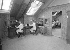 [Interiør fra A. Swartz Tychesen tannteknisk laboratorium] fra marcus.uib.no