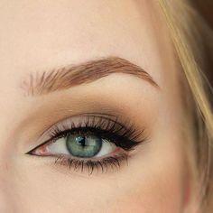 Makeup Geek Eyeshadows in: High Tea, Mocha, White Lies and Sand Dollar. Look by: roseherdmakeup