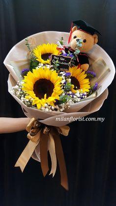 $550~600 Boquette Flowers, How To Wrap Flowers, Table Flowers, Pretty Flowers, Gift Bouquet, Bouquet Wrap, Hand Bouquet, Sunflower Arrangements, Floral Arrangements