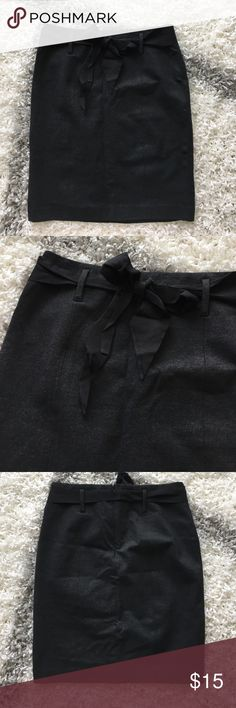 Ann Taylor Bow Pencil Skirt Great condition! Beautiful charcoal color. No rips, stains, smells. Make an offer! Ann Taylor Skirts Pencil