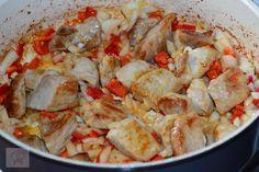 Gulas de porc cu cartofi - CAIETUL CU RETETE Shrimp, Chicken, Meat, Pork, Kai