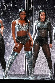 During their debut MTV Video Music Awards performance, Fifth Harmony threw some not-so-subtle shade at their former member, Camila Cabello. Mtv Video Music Award, Music Awards, Fifth Harmony, Ally Brooke, Simon Cowell, Hamilton, X Factor, Musica Pop, Camila And Lauren