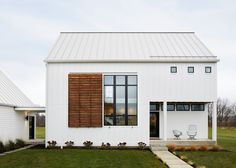 'Energy-efficient design can be simple' An energy-efficient house rises on acres in Indiana - Curbed Energy Efficient Homes, Energy Efficiency, Small House Design, Home Design, Design Ideas, Concept Architecture, Architecture Design, Vernacular Architecture, Solar Panels For Home