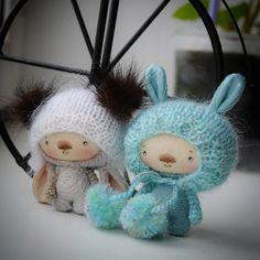 Cute crochet and knit bunnies. (Inspiration).