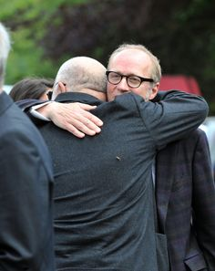Rik Mayall's funeral has taken place in Devon and was attended by many stars of the comedy and entertainment world.Dawn French, Jennifer Saunders, Ben Elton and Ruby Wax were among the first famous fa. Comedy Duos, Comedy Actors, Rik Mayall Bottom, Ben Elton, Jennifer Saunders, Blackadder, Great Comedies, Hugh Laurie