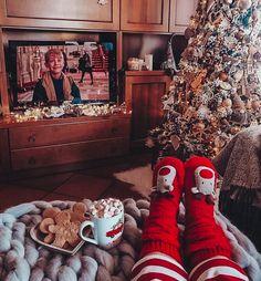 Christmas Wonderland, Cosy Christmas, Christmas Feeling, Days Until Christmas, Christmas Movies, Christmas 2019, Christmas Porch, Country Christmas, Outdoor Christmas