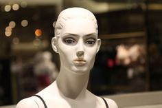 5) Semi-Realistic Mannequin