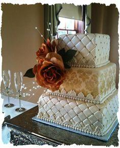 OMGKAFDJKASHKFJHASDLKGOAMG!!!!! IM IN LOOOOOOOOOOVE! BRIDAL SHOWER CAKE!!!