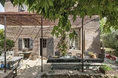 À l'ombre sur la terrasse - La maison du bonheur - CôtéMaison.fr