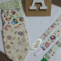 Set bandana bib and pacifier clip for baby