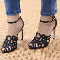 jeans | sandália | bordado | guilhermina shoes | salto alto | black