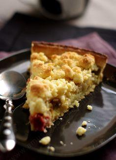 .. . . Pour résumer cette tarte: douceur, petites touches d'acidités, croustillant, fondant...enfin un délice, n'est ce pas Cachou ?? En réalité, j'avais fait ma tarte en fin d'été et je l'avais congelé cuite mais sans crumble. La semaine dernière, je...