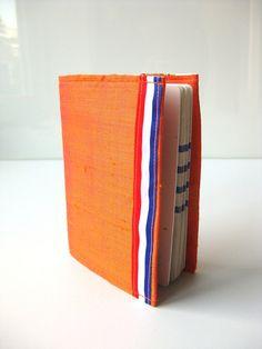 Is dit oranje genoeg voor jou? SALE Passport holder silk Dutch orange by BagsByTravelher on Etsy, $10.80