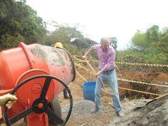 Inicia pavimentación de vía en zona rural de Caloto[http://www.proclamadelcauca.com/2015/08/inicia-pavimentacion-de-via-en-zona-rural-de-caloto.html]