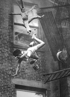 Premio Pulitzer de fotografía de 1976   Para Stanley Forman por la escalofriante foto tomada para el Boston Herald American de un incendio en la ciudad.