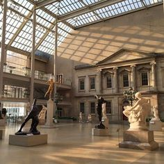 Visit The Met in NYC, the Metropolitan Museum of Art City Aesthetic, Brown Aesthetic, Cream Aesthetic, Aesthetic Vintage, Couple Travel, Tableaux Vivants, Wal Art, Art And Architecture, Aesthetic Pictures
