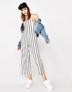 Discover the lastest trends in Playsuits & Jumpsuits with Bershka. Log in now and find 31 Playsuits & Jumpsuits and new products every week Jumpsuit Casual, Jumpsuit Outfit, Basic Outfits, Stylish Outfits, Bershka Outfit, Fashion Wear, Fashion Outfits, Overalls Fashion, Pantalon Costume