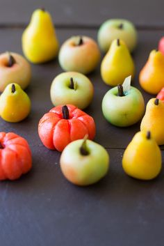 Marzipan Fruits made from almond paste and hand painted with all natural food coloring. Marzipan Fruit, Marzipan Recipe, How To Make Marzipan, Beef Braciole, Sicilian Recipes, Sicilian Food, Goan Recipes, Traditional Italian Dishes, Christmas Dinner Menu