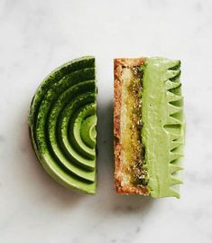 OPALYS & Matcha : a match made in heaven by Pastry Chef Mini Desserts, Plated Desserts, Dessert Recipes, Weight Watcher Desserts, Matcha, Grolet, Low Carb Dessert, Eclairs, Culinary Arts