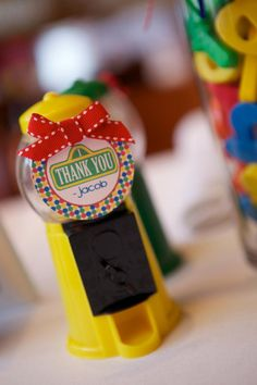 Sesame Street Birthday Party (mini bubblegum machines for kids' favor bags - Kara's Party Ideas - The Place for All Things Party Seasame Street Party, Sesame Street Birthday, 1st Boy Birthday, Boy Birthday Parties, Birthday Ideas, Party Themes For Boys, Elmo Party, Abby Cadabby, Birthdays